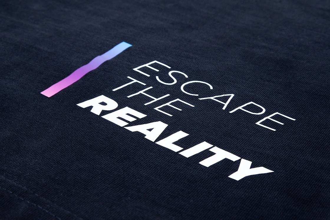 Amaze VR Thshirt Achterkant Escape the Reality Tekst